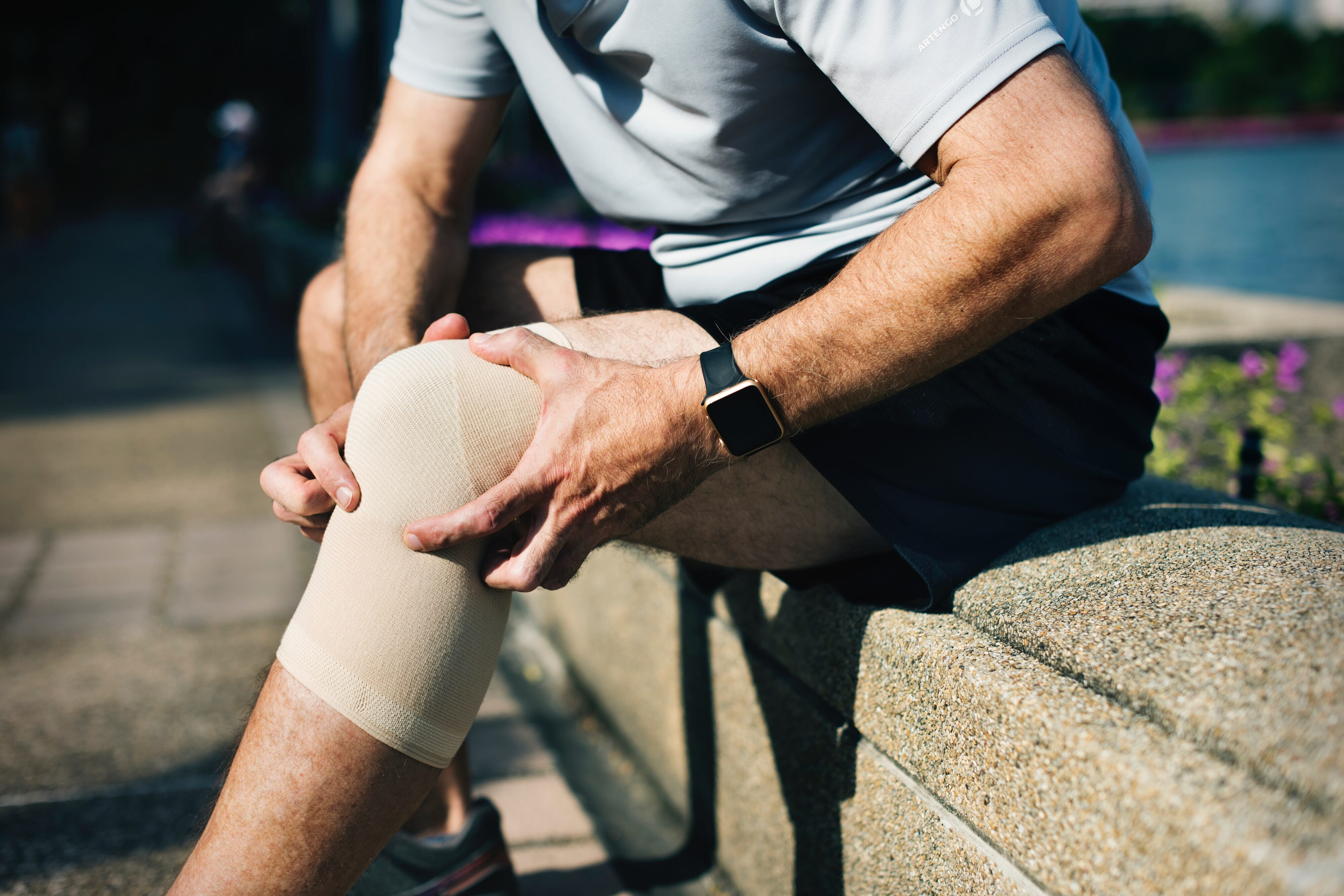 6 Ways to Get Healthy Knees & Reasons They Ache
